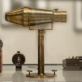 Voigtländer camera for Petzval lens - 1840
