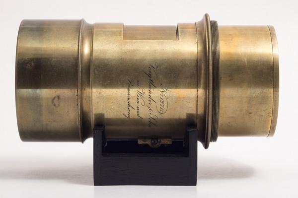 Voigtländer Petzval Portrait design - 245 mm f/3.6 - 1862