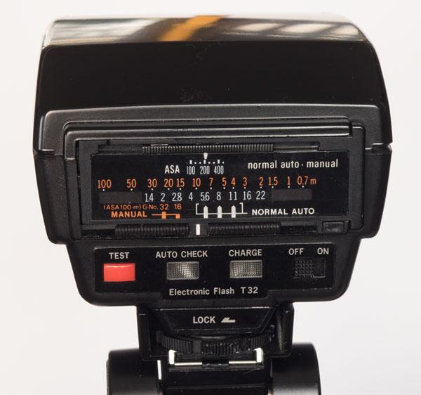 Olympus T32 flash panel