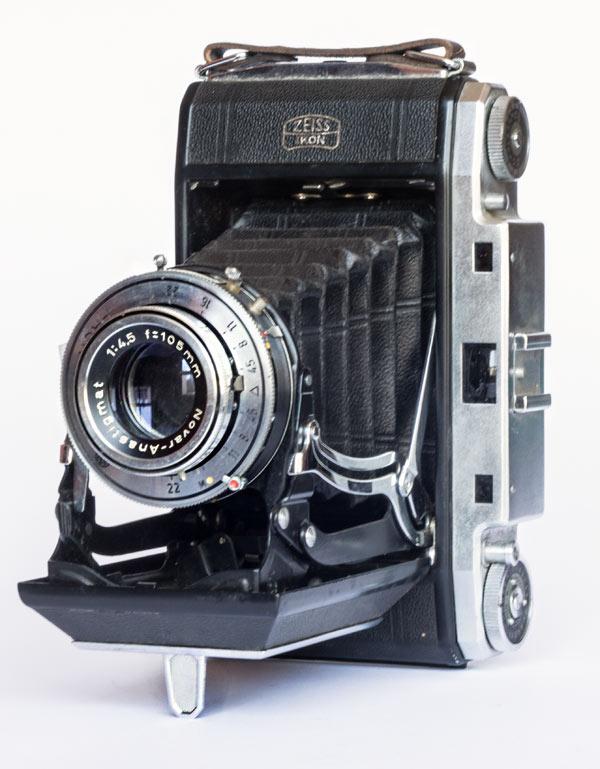 Ikonta 524/2 - 6x9 cm - Novar 105 mm f/4.5 1,5/∞ M - Prontor-SV B, 1-1/250 s - 1951/58