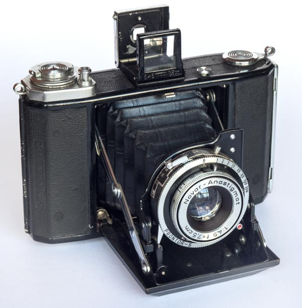 Ikonta - 521/ 16 - 6x6 cm - Novar 75mm f/4.5, coated, 1.2/∞ m - Prontor-S: B, 1s - 1/300 s