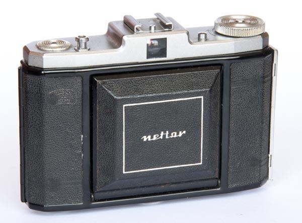 Nettar 518/16 6x6 cm - Novar 75mm f/4.5, coated, 1,5/∞ m - Vario B,1/25-1/200 - Stuttgart - 1956/57
