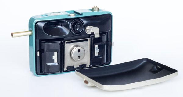 Penti II - Pentacon - camera back open with lid